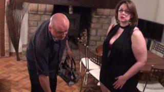 coquine française à gros seins sodomisée
