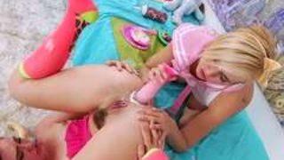 jeux de godes entre jeunes lesbiennes perverses
