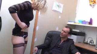 enculer sa nouvelle secretaire au bureau