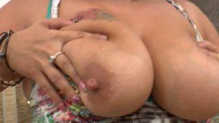grosse cochonne à prendre par le cul sans vaseline